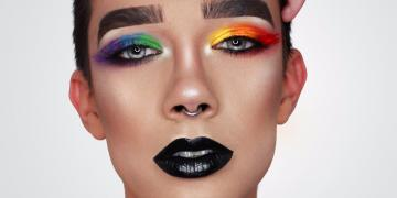 First male beauty blogger (age 17) becomes a Cover Boy