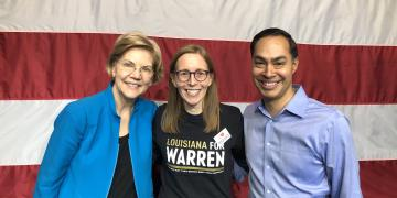#warrenselfie, Elisabeth Warren posing for a selfie