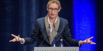 Alice Weidel speeching