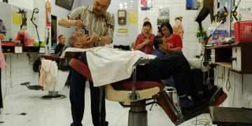 Chinese Indonesian hairdresser in Jakarta, Indonesia