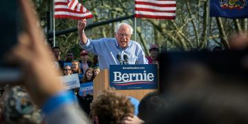 Bernie Sanders, mails, help